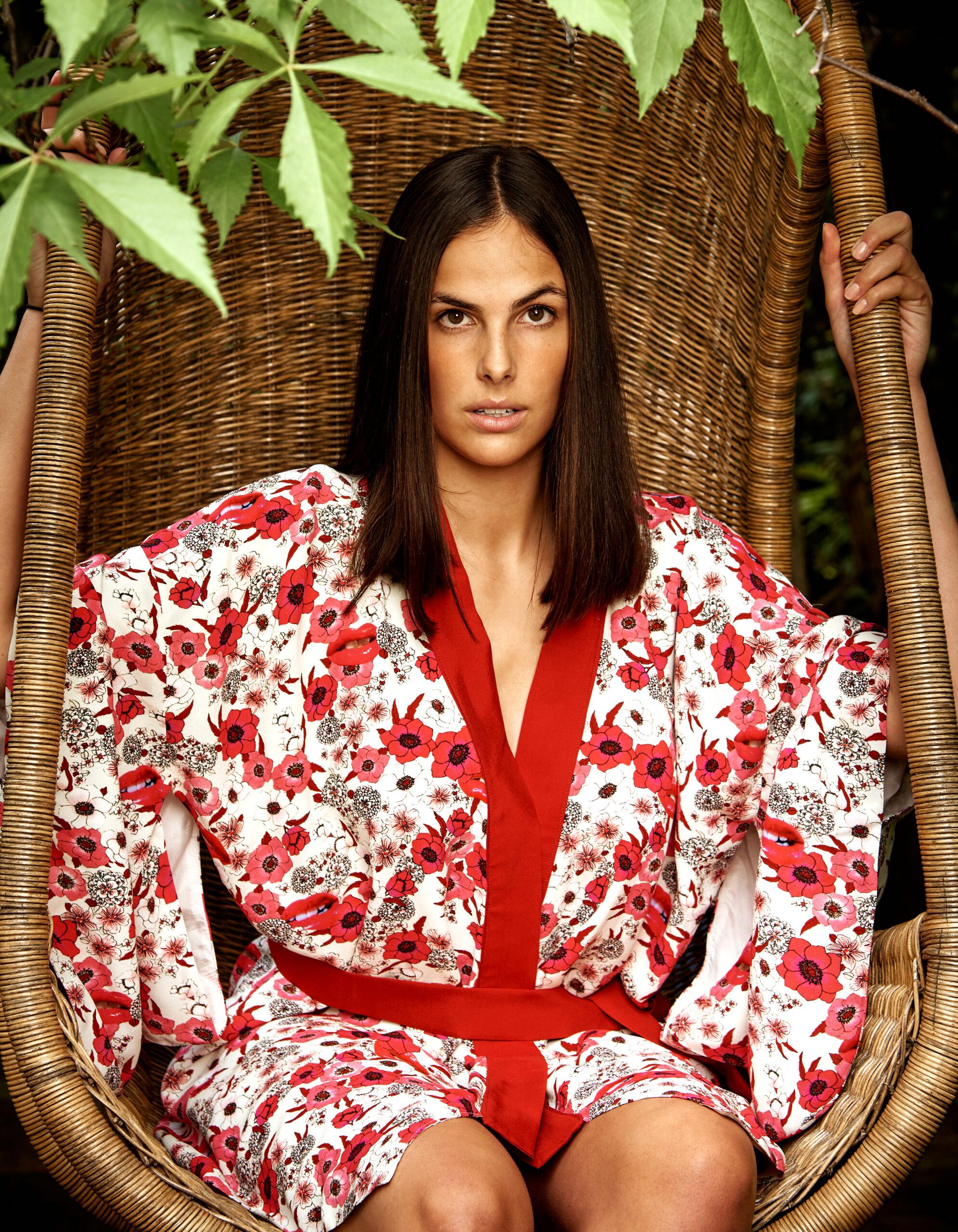 Kimono RedLipsClose